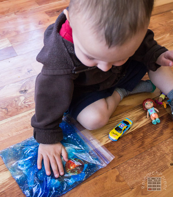 Playing with Solar System I-Spy Busy Bag