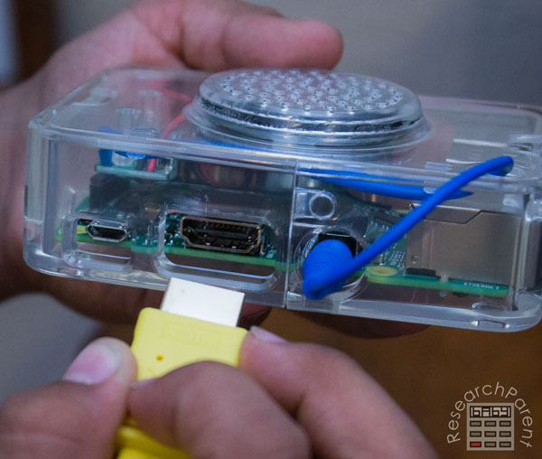 Plug HDMI cable into computer